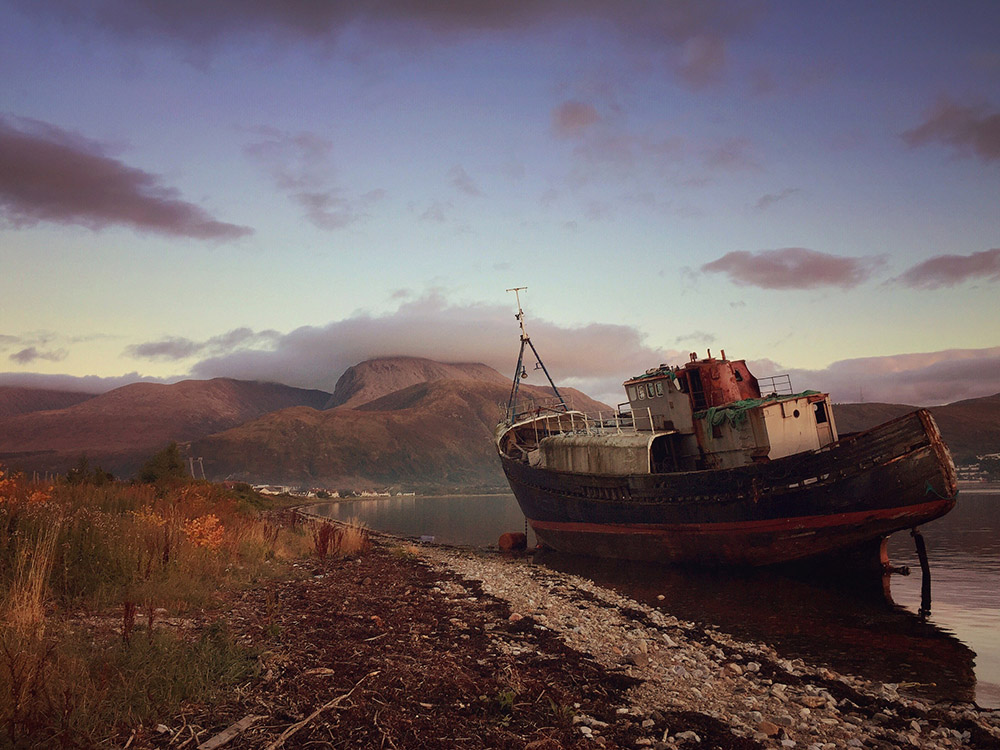THE CORPACH WRECK, FORT WILLIAM, SCOTLAND par Chris Harland